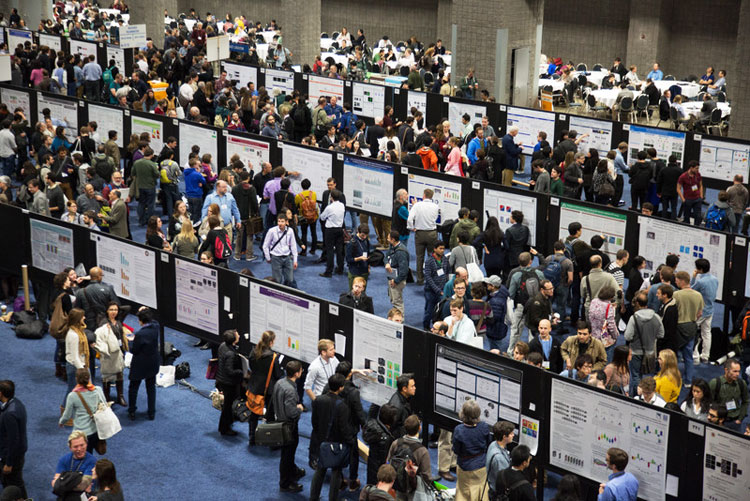 Image of crowded poster floor at the SfN annual meeting.