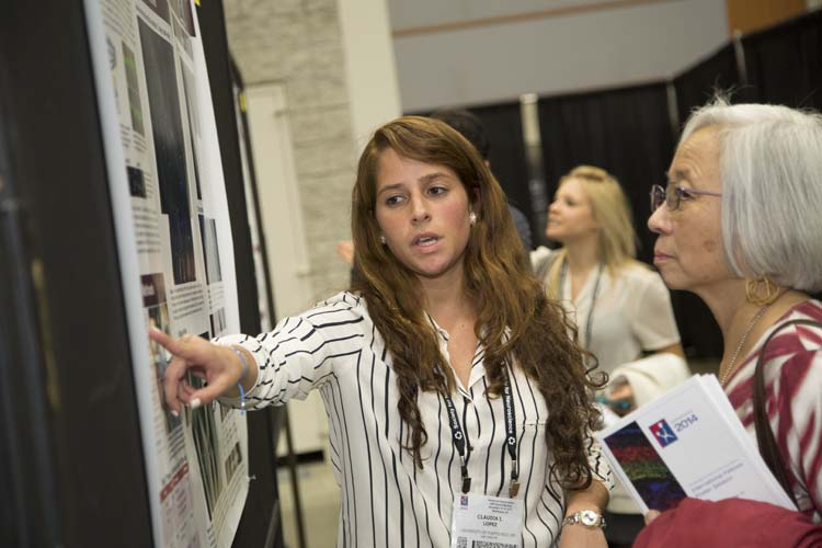 The Neuroscience Scholar Programs allows students from diverse backgrounds to present their research at SfN's annual meeting.