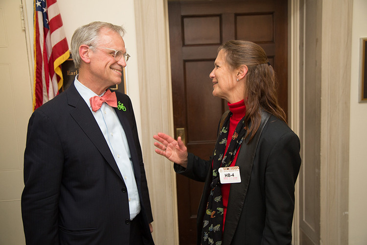 CNC Co-chair Earl Blumenauer with SfN President Hollis Cline