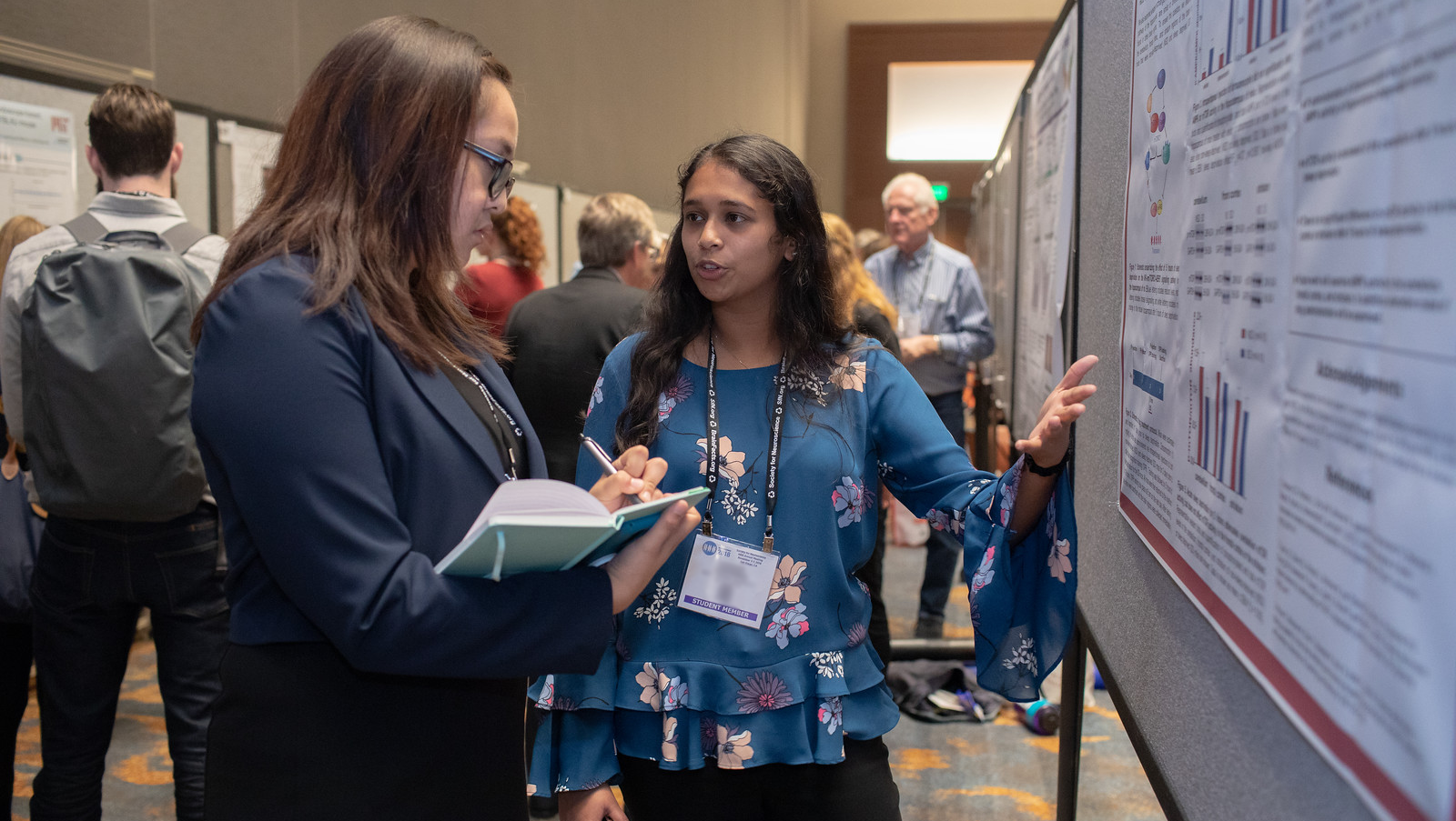 Student Member presenting a poster at Neuroscience 2018