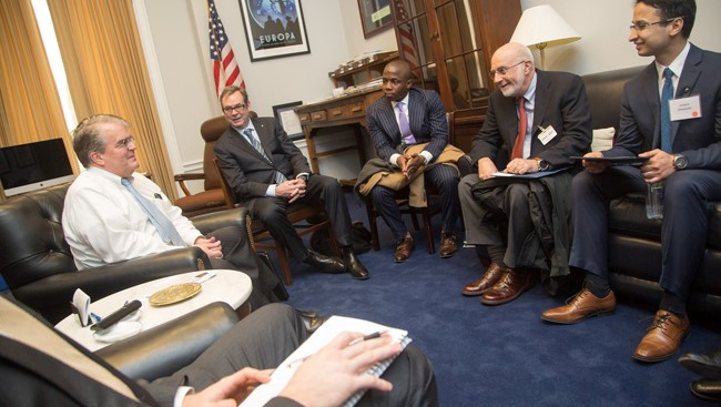Oluwarotimi Folorunso at SfN's 2018 Capitol Hill Day, meeting with Texas Representative John Culberson