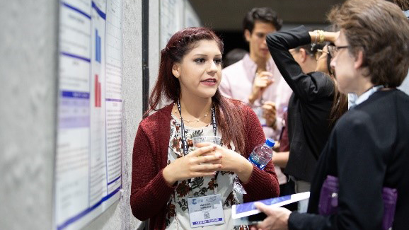 Neuroscience 2018 poster presenters sharing their work with other attendees